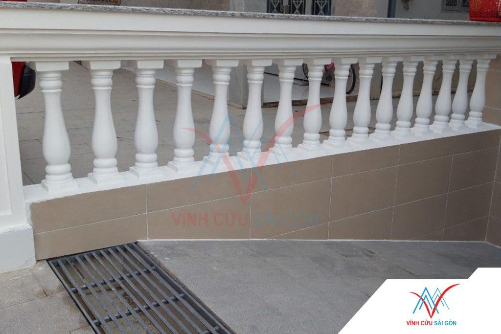 Công trình thực tế sử dụng Lục bình (con tiện) 04 (12.5x12.5x59 cm) - Hình 4