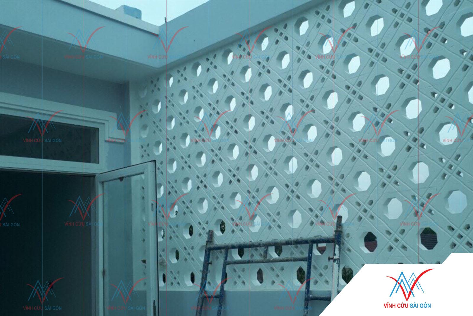 Công trình thực tế sử dụng gạch bông gió mỹ thuật VCB-026 trắng (190x190x65 mm)-1