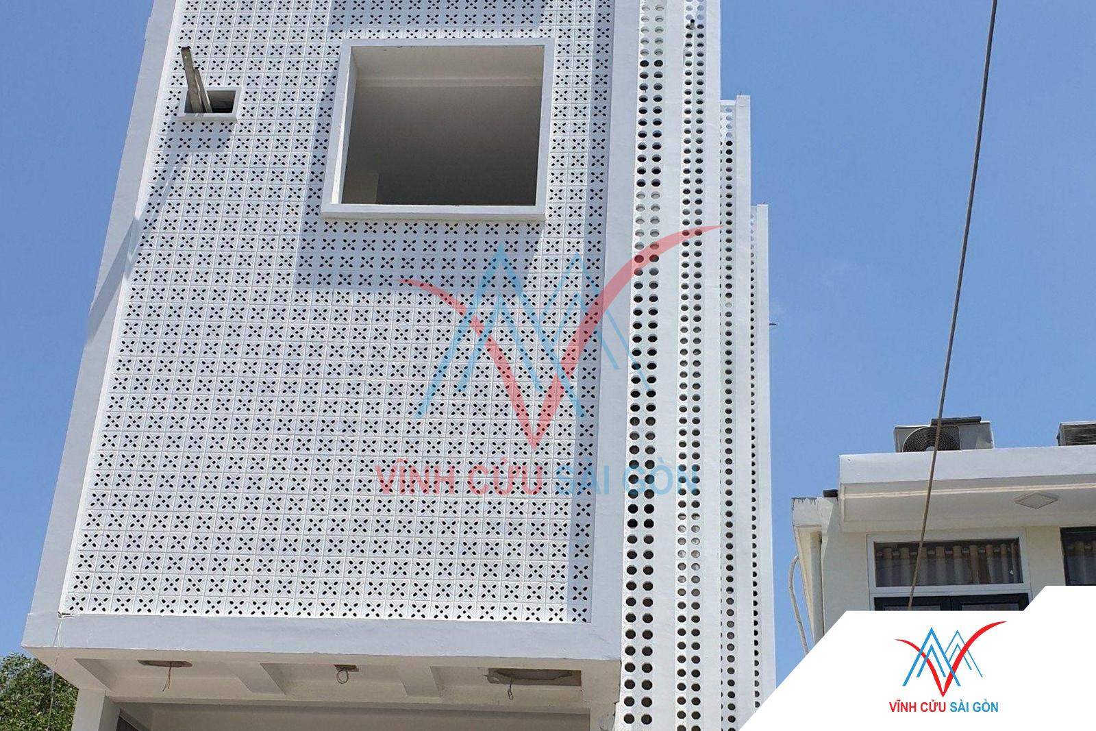 Công trình thực tế sử dụng gạch bông gió mỹ thuật VCB-026 trắng (190x190x65 mm)-0